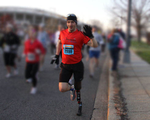 Above Knee Amputee Runs the Washington DC Marathon